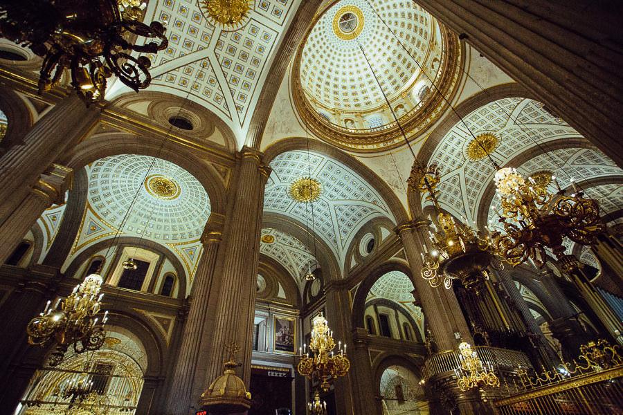 wide shot catedral de puebla