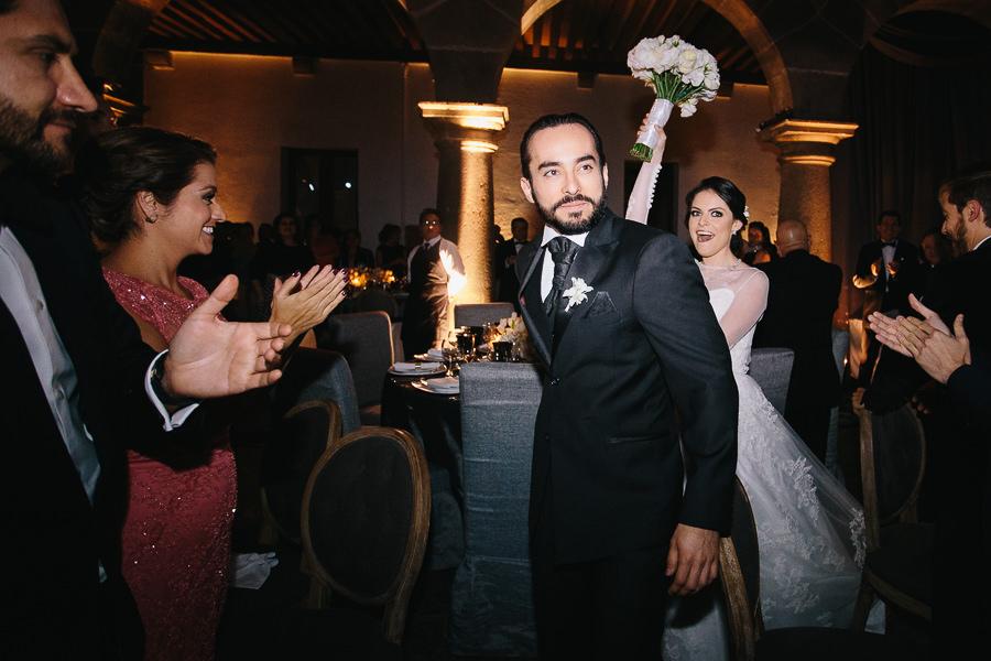 entrada de novios - boda en el museo de arte virreinal