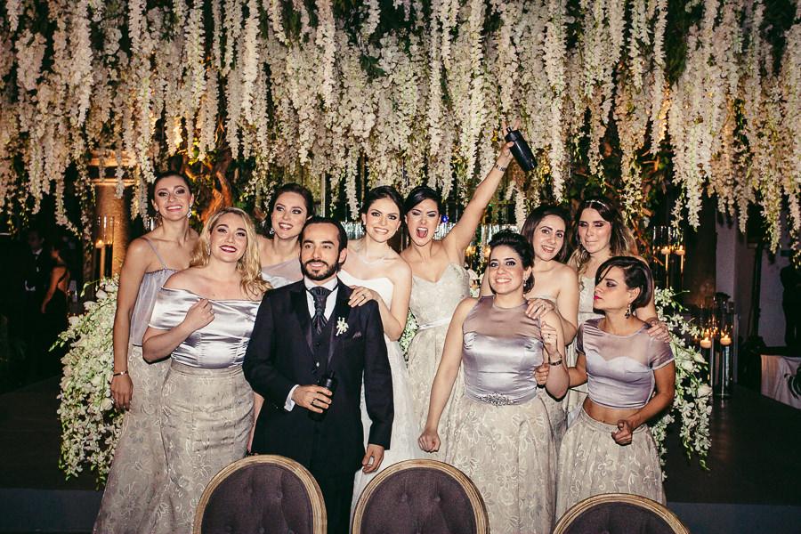 novios y damas de honor - boda en el museo de arte virreinal
