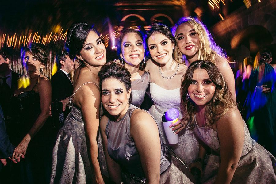 novia y sus amigas - boda en museo de arte virreinal puebla