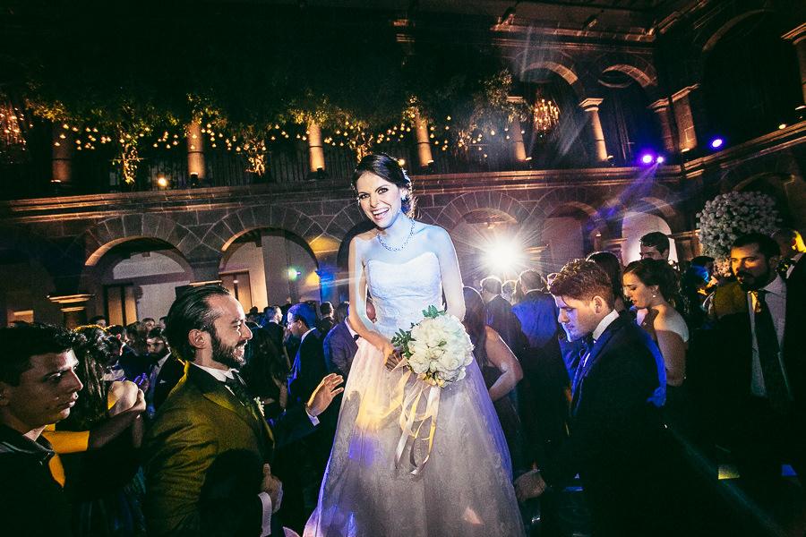 aventando el ramo - boda en museo de arte virreinal puebla