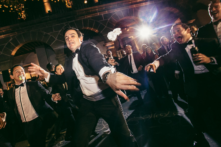 la liga en el aire - boda en museo de arte virreinal puebla