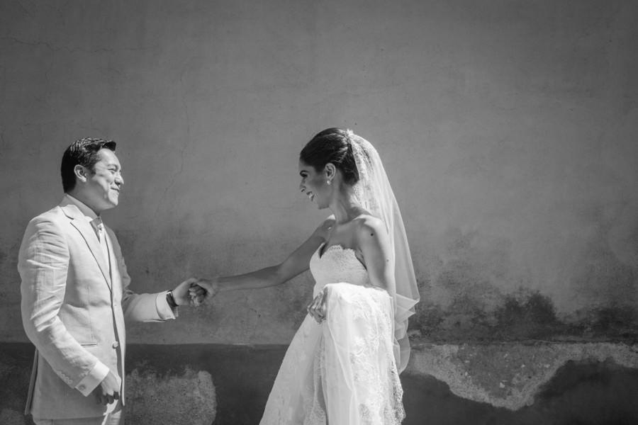 novio se emociona al ver a la novia - boda en san miguel de allende