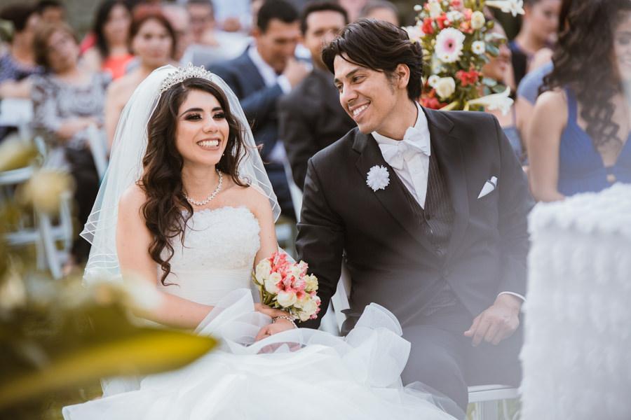 novios en la ceremonia religiosa - boda en tuxtla gutierrez