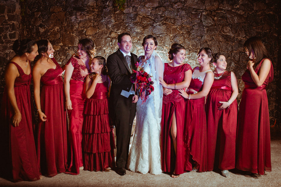 las damas de honor y los novios en una boda en queretaro